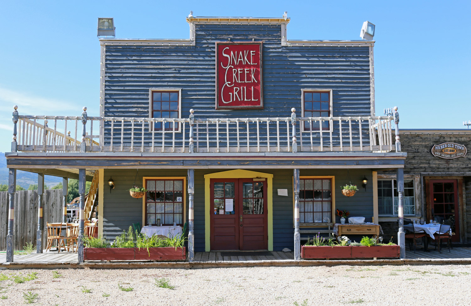 Snake Creek Grill - place&space-21.jpg
