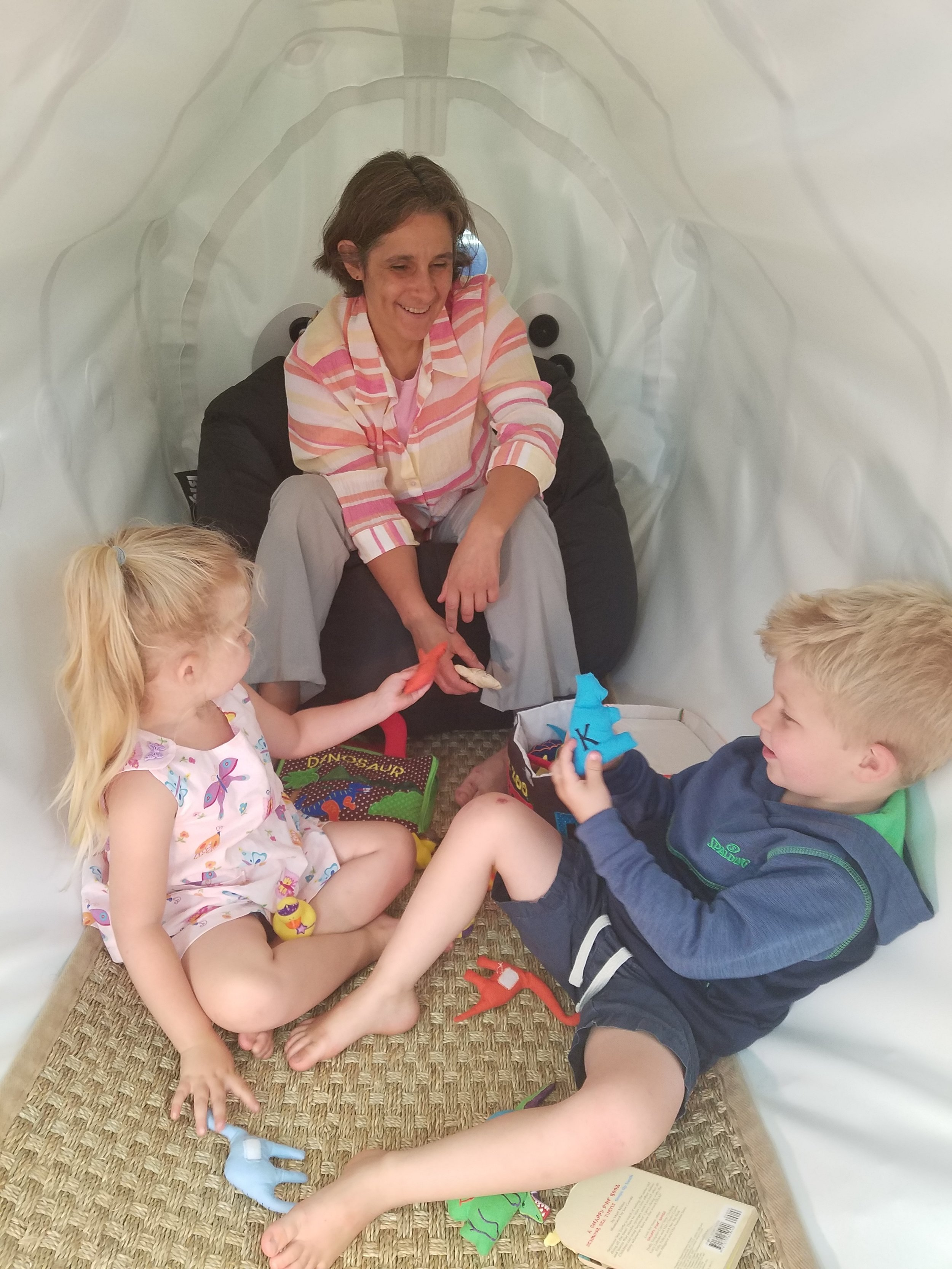 Hyperbaric medicine is safe for adults and kids