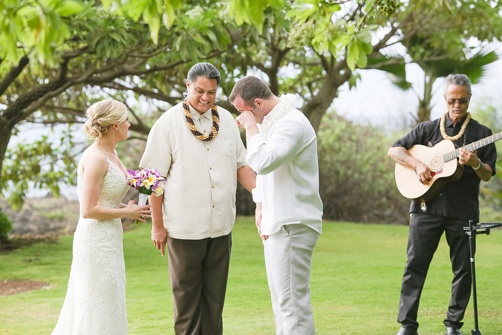 bliss-maui-wedding-kukahiko-estate-love-and-water-photography-erika-joe-10.jpg