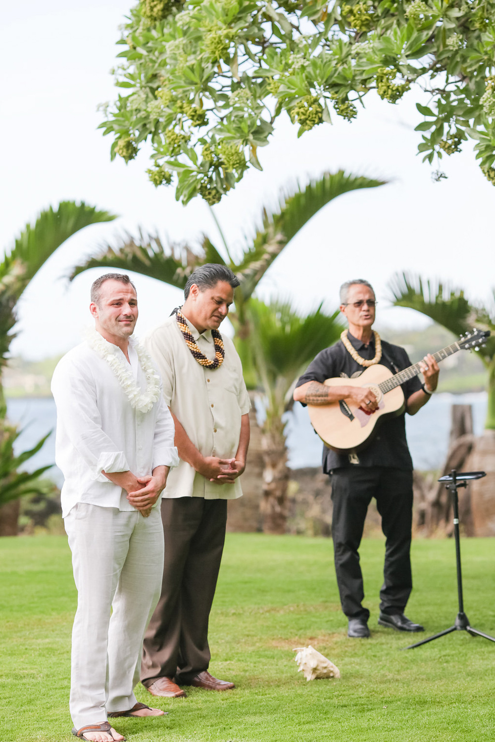 bliss-maui-wedding-kukahiko-estate-love-and-water-photography-erika-joe-9.jpg