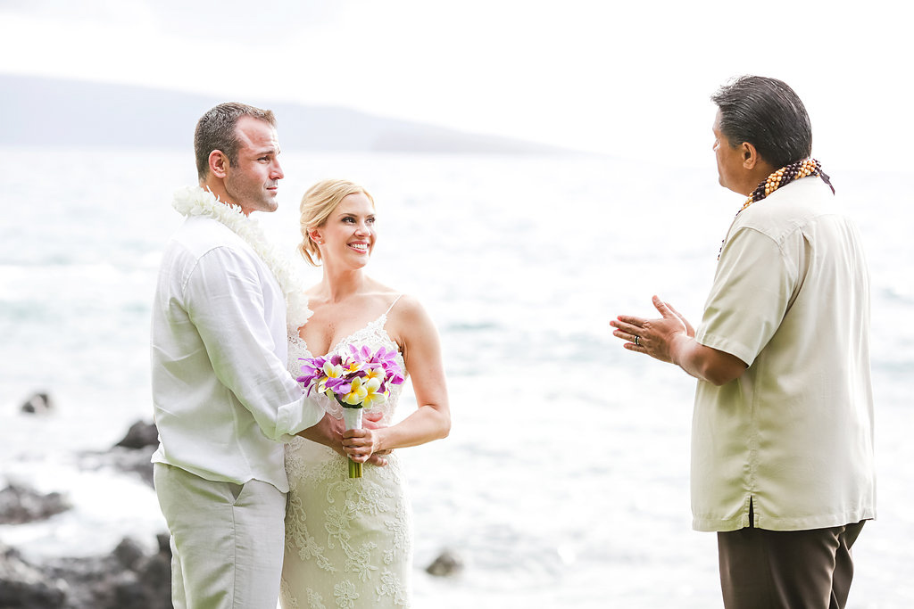 bliss-maui-wedding-kukahiko-estate-love-and-water-photography-erika-joe-11.jpg