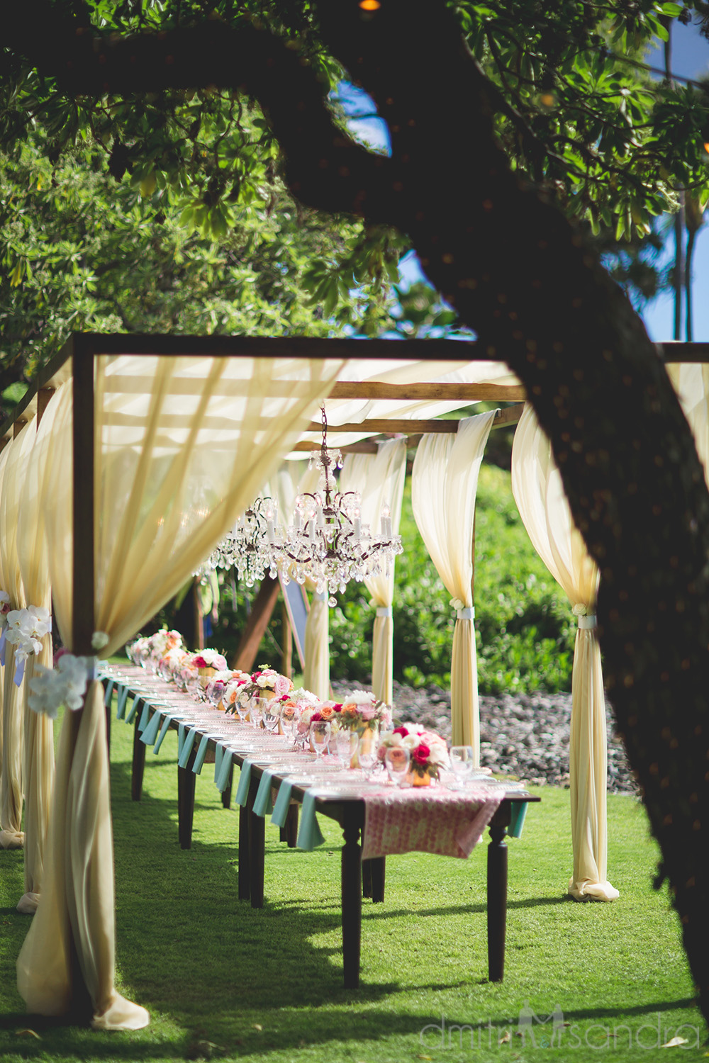 Glam outdoor wedding table by Bliss Wedding Design - photo by Dmitri and Sandra Photography