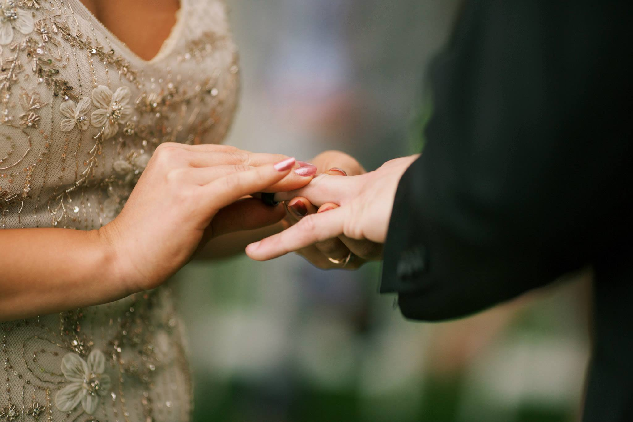 elegant hawaii wedding ceremony ring exchange
