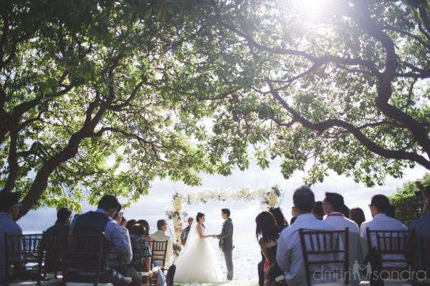 Beautiful and heavenly floral wedding at Kukahiko Estate