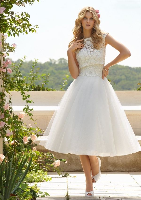 How to Create Your Beach Bridal Look - Written by Olga from Best for Bridehttp://www.bestforbride.com/http://www.bestforbride.com/bridal-shop/https://www.facebook.com/bestforbrideshttps://twitter.com/bestforbride