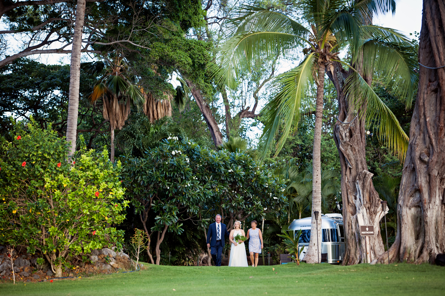 Outdoor wedding in Hawaii by Bliss