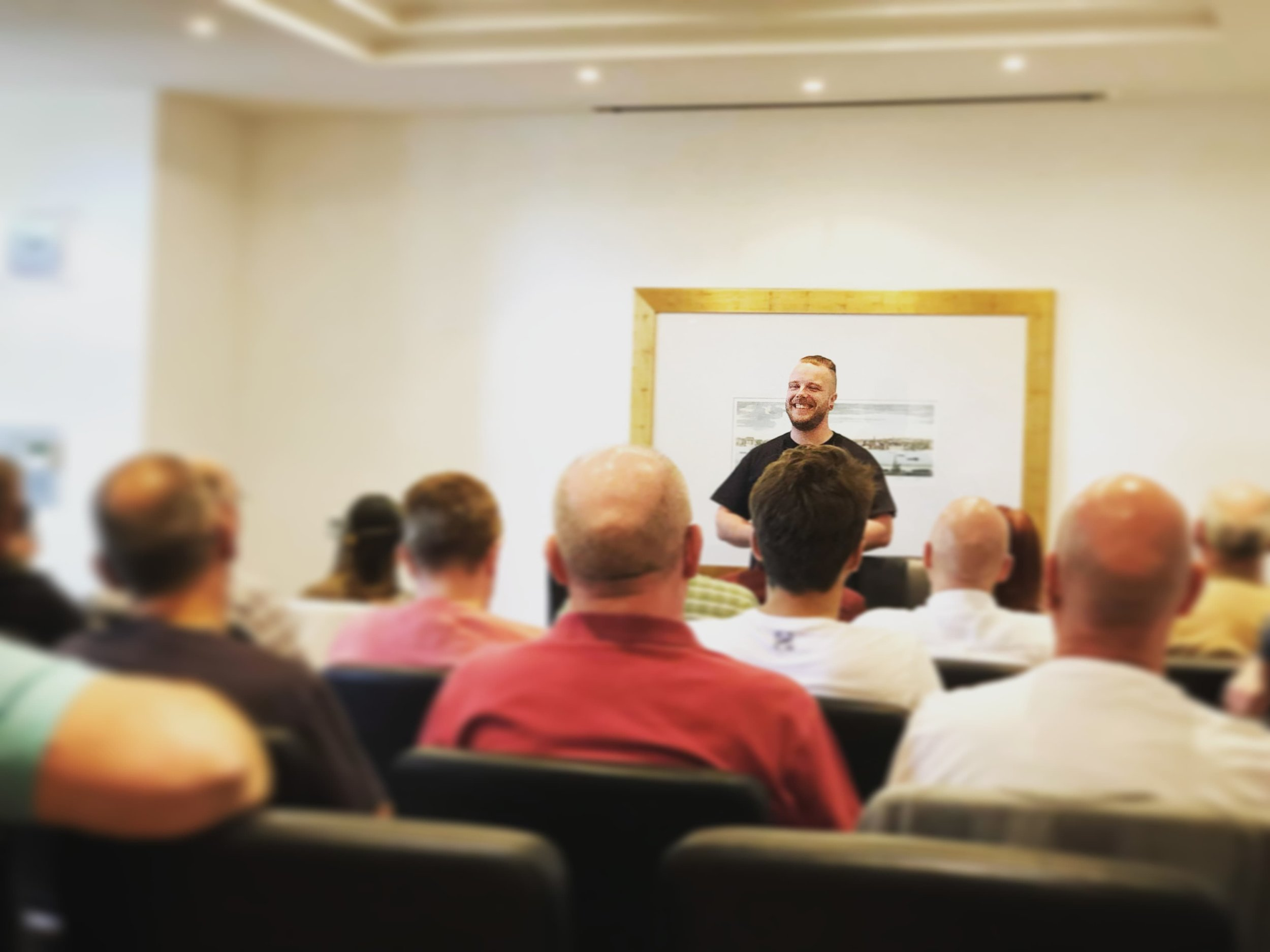 Stage Street Hypnosis Course June 2018 (27).jpg