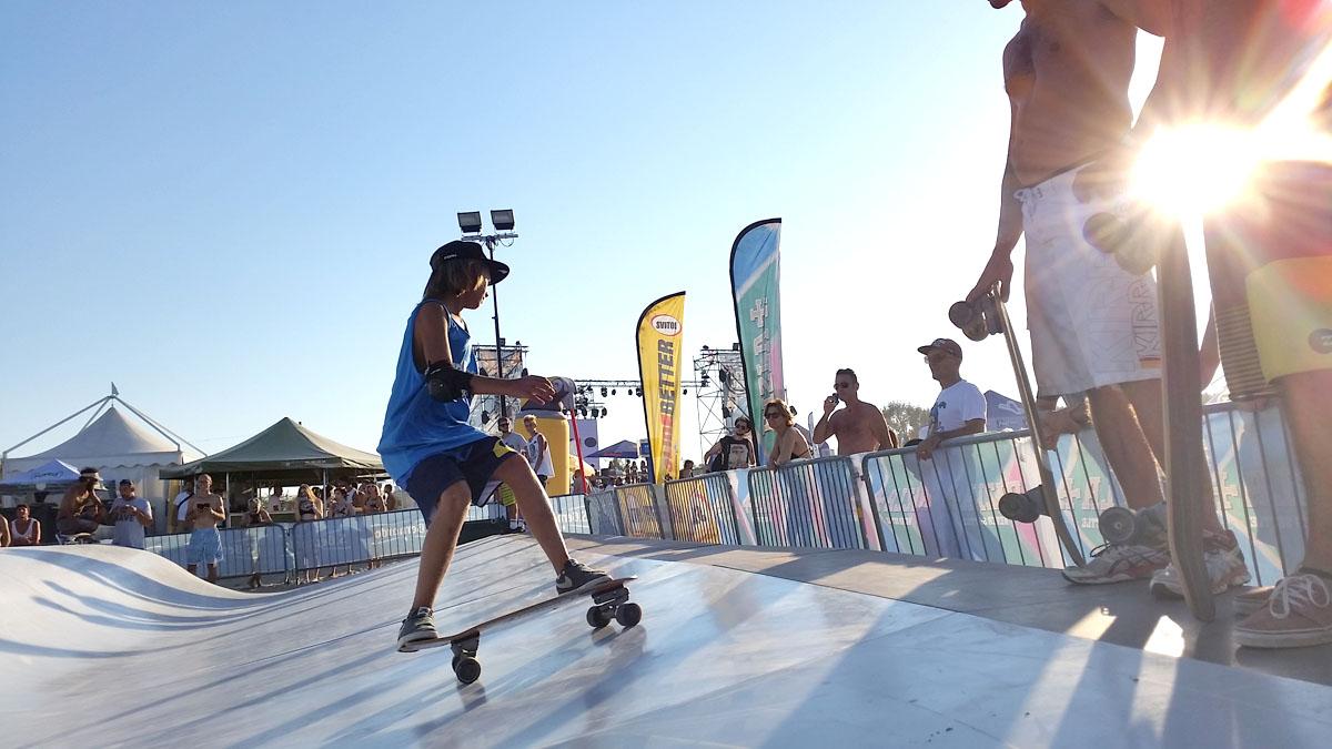 Whitezu Surfskate training