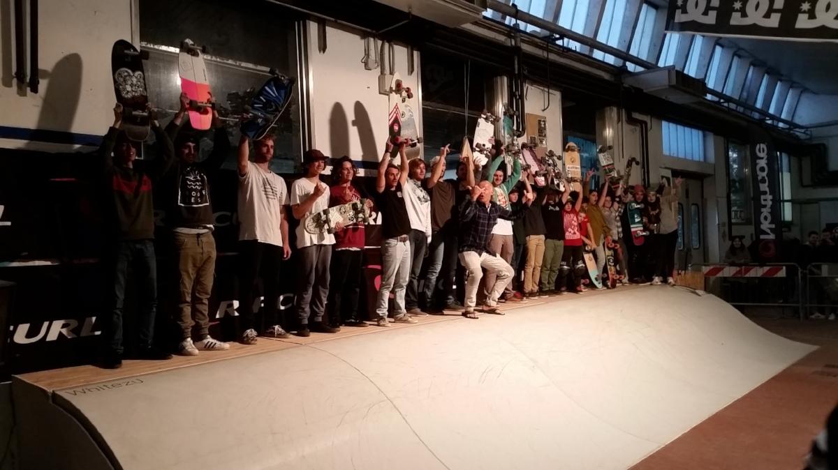K&K Garage Surf Hut Milano - Surfskate Wave contest
