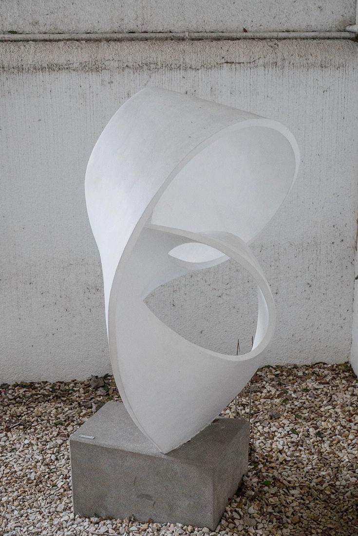 Escultura de Enio Iommi. Formas continuas, 1953. 2,80 x 1,60 x 0,70 m
