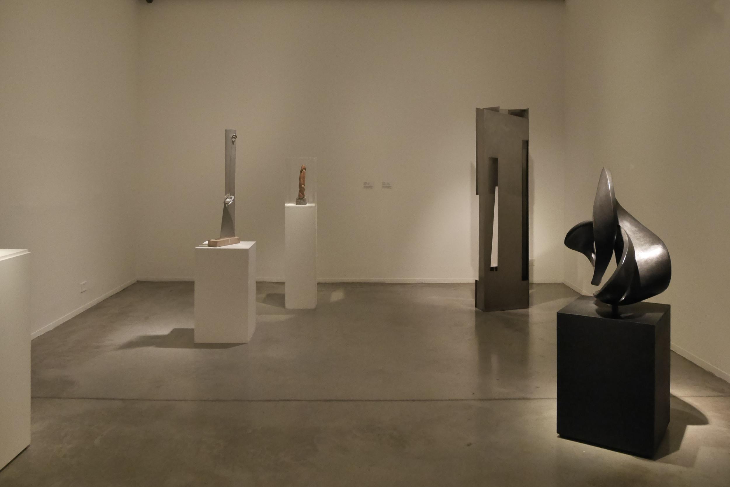 Obras de Enio Iommi y de Sesostris Vitullo. Museo de Arte Moderno de Buenos Aires. Foto: Leonardo Antoniadis.