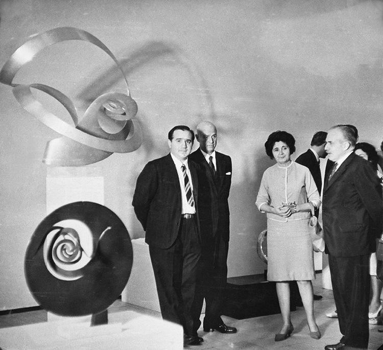 Exposition at the Rio de Janeiro Modern Art Museum in 1962.
