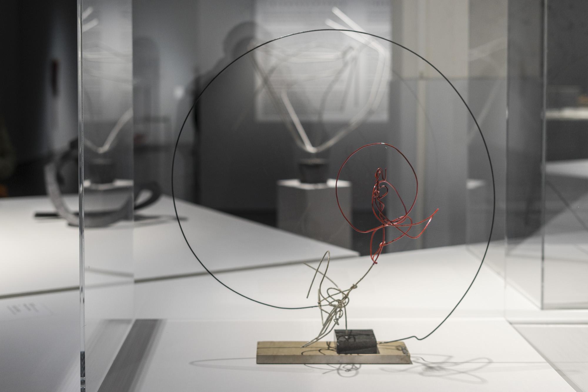 Ritmos en el círculo, 1950. Obra de Enio Iommi, perteneciente a la fundación Daros. Foto: Leonardo Antoniadis.