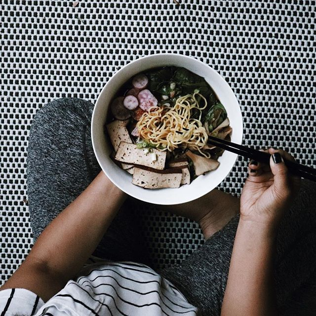 i'm sure we could all use a bowl of ramen right about now. 🍜 — #whatsinmybowl: @munchery tofu ramen cooking kit