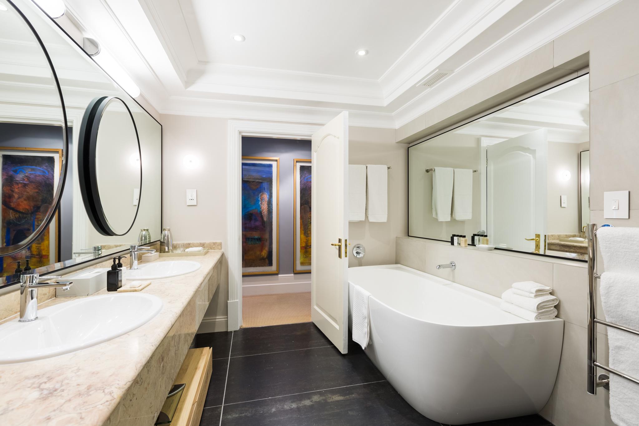 RM9 Bathroom HDR 1 2048px 5D3_5926-HDR.jpg