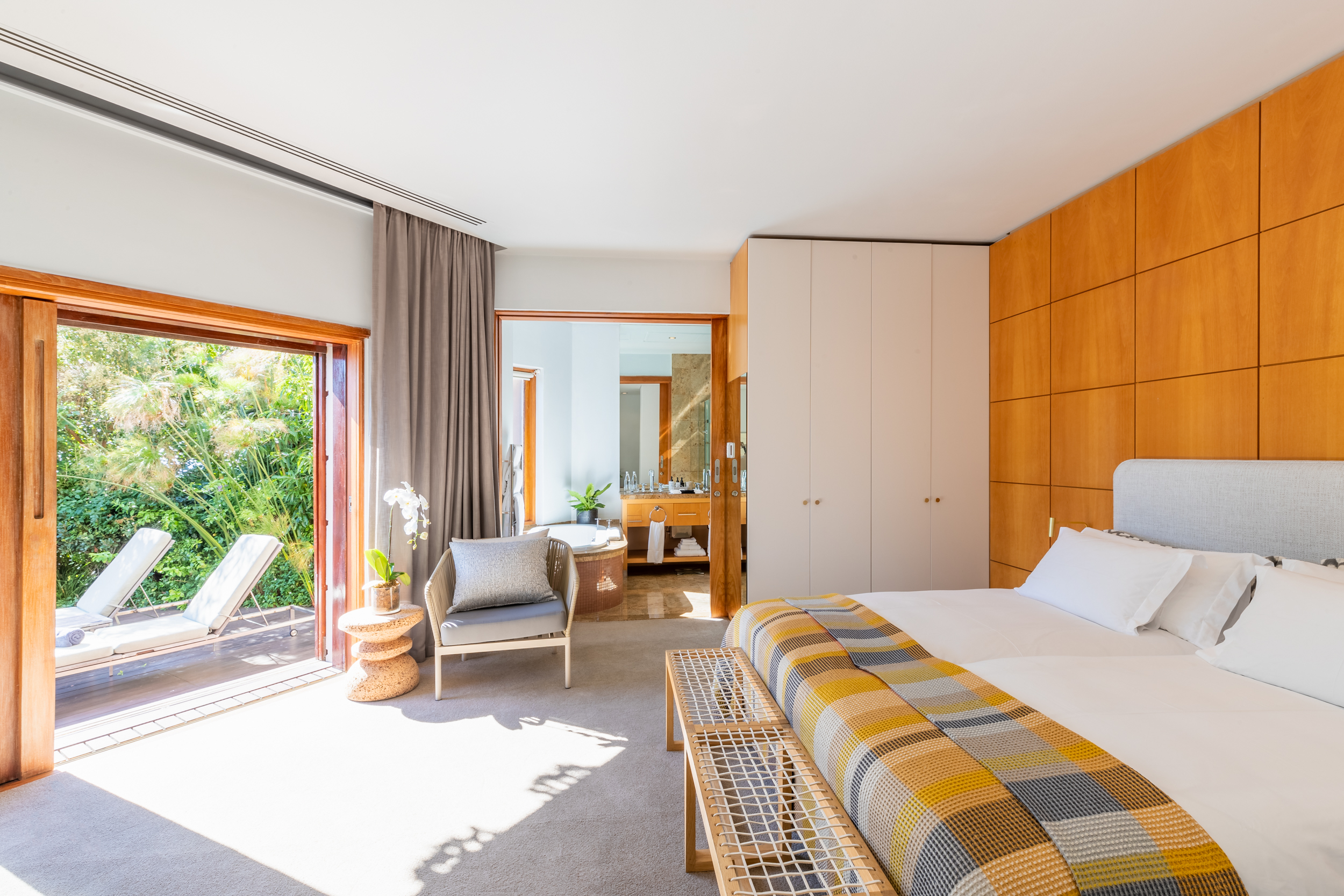 EH - Villa One - Spa Deck Room - 2500px.jpg