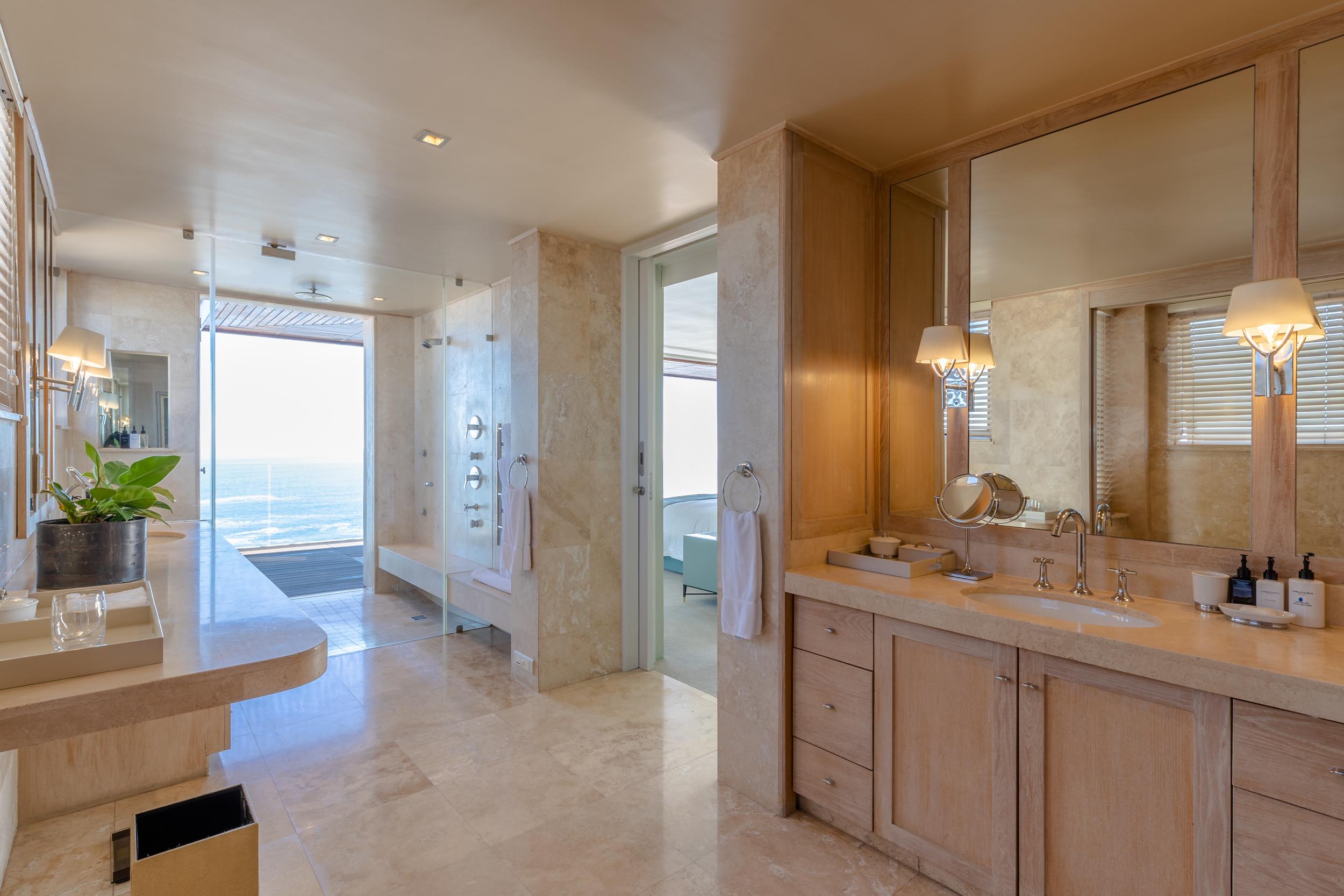 EH - Villa One - Aqua Room - 2500px-8.jpg