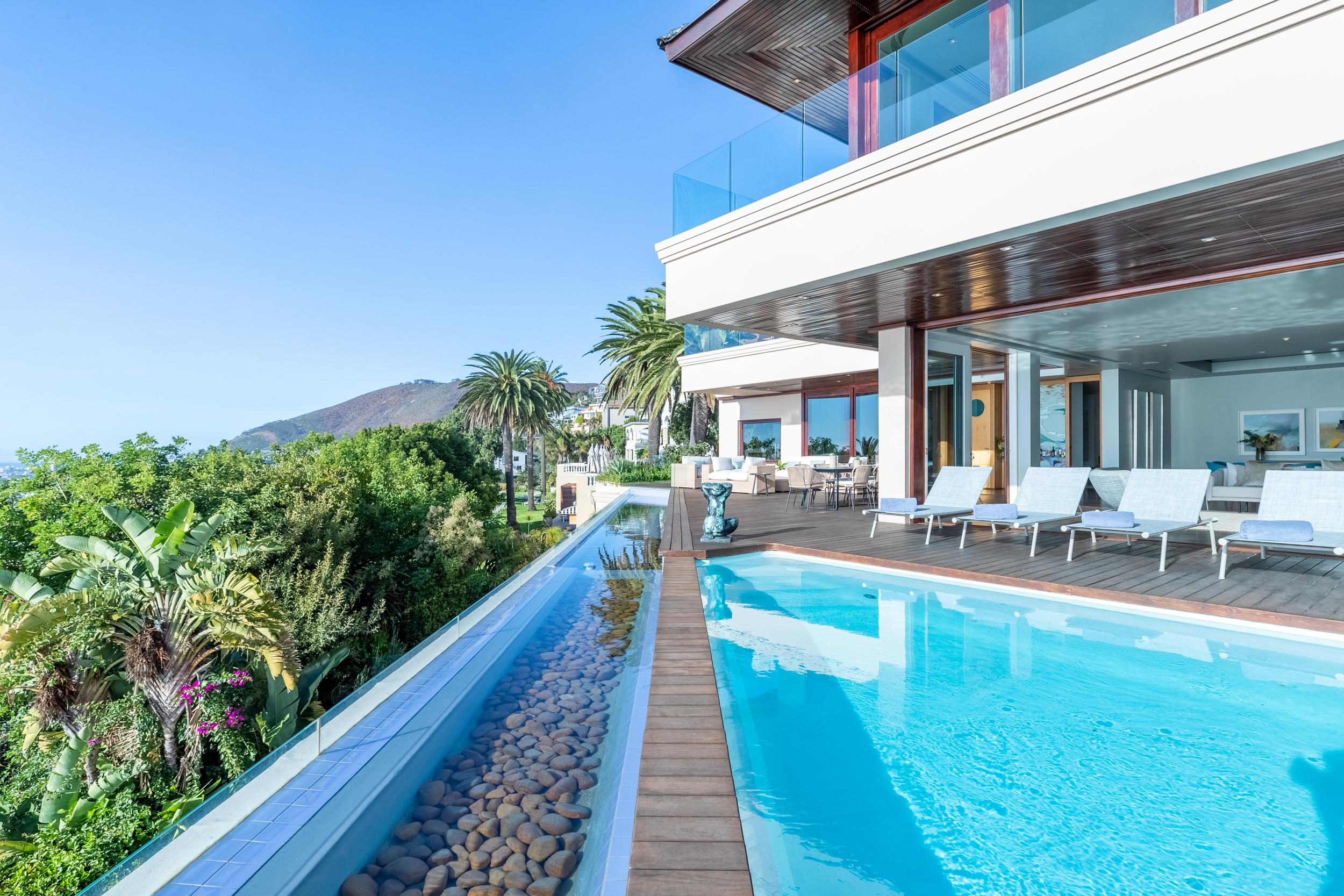 EH - Villa One - Pool Deck - 2500px-3.jpg