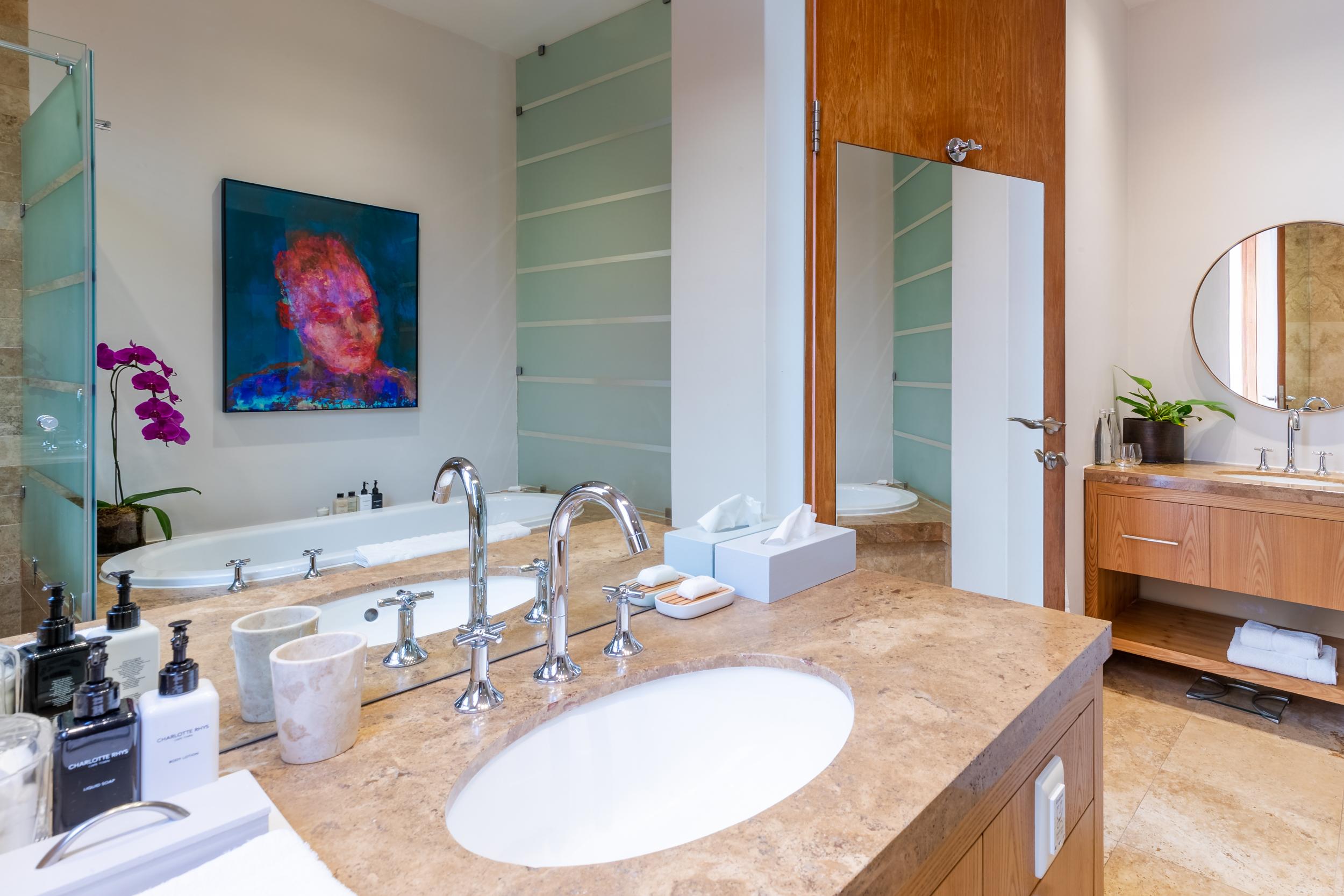 EH - Villa One - Spa Pool Room - 2500px-2.jpg