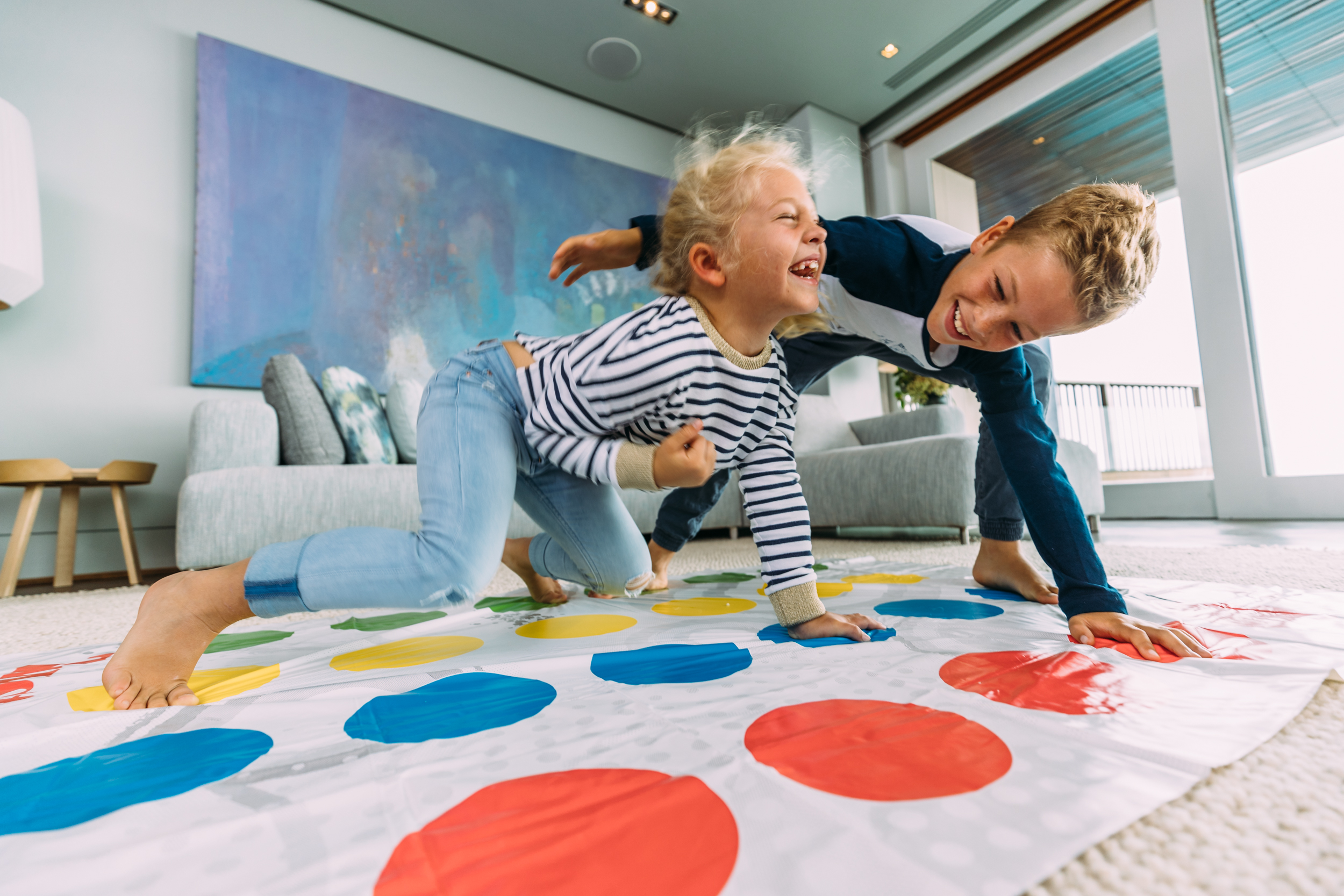 EH - Villa One - Playing Twister - 2500px-3.jpg