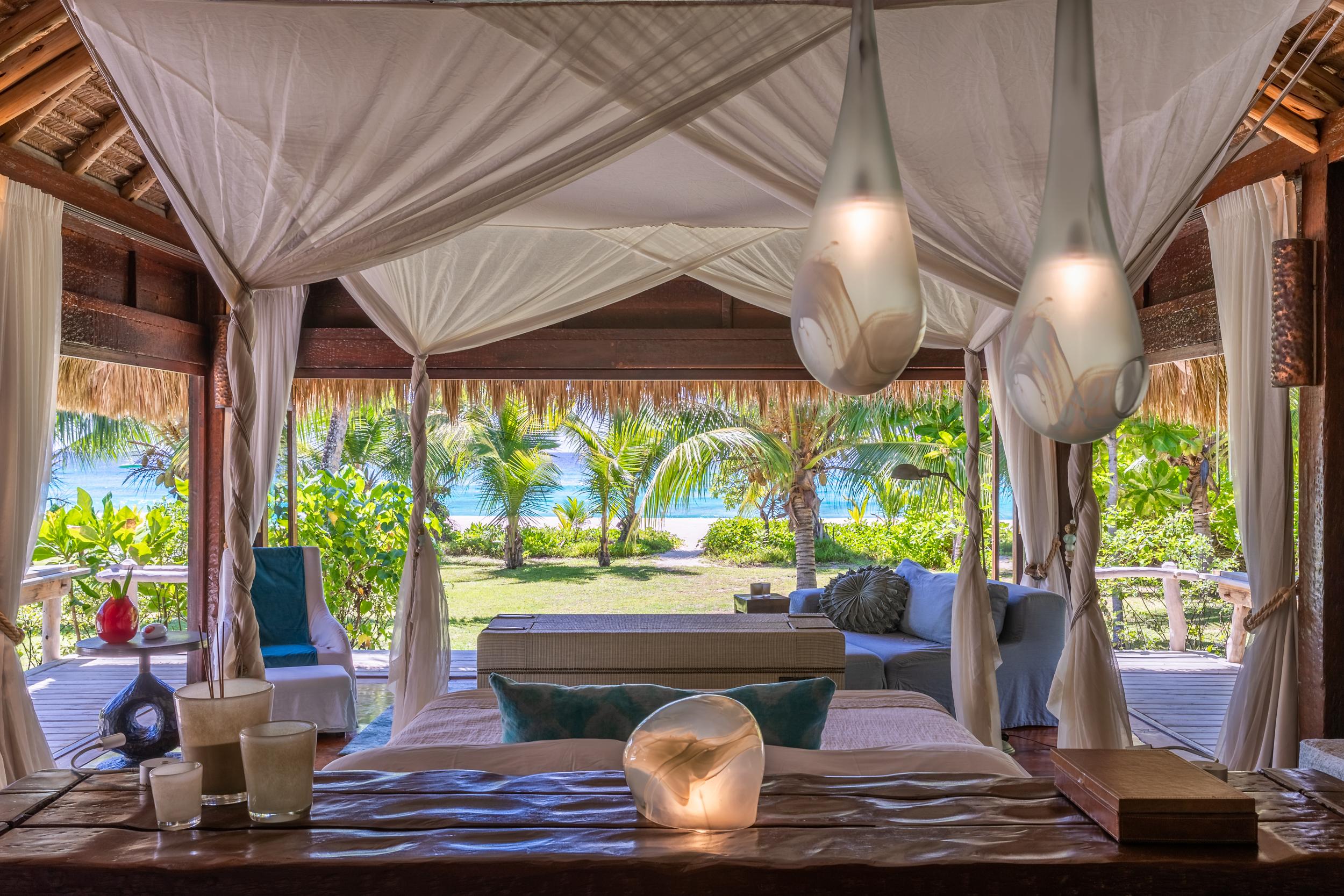 North Island - Presidential Villa - Bedroom - 2500px-4.jpg