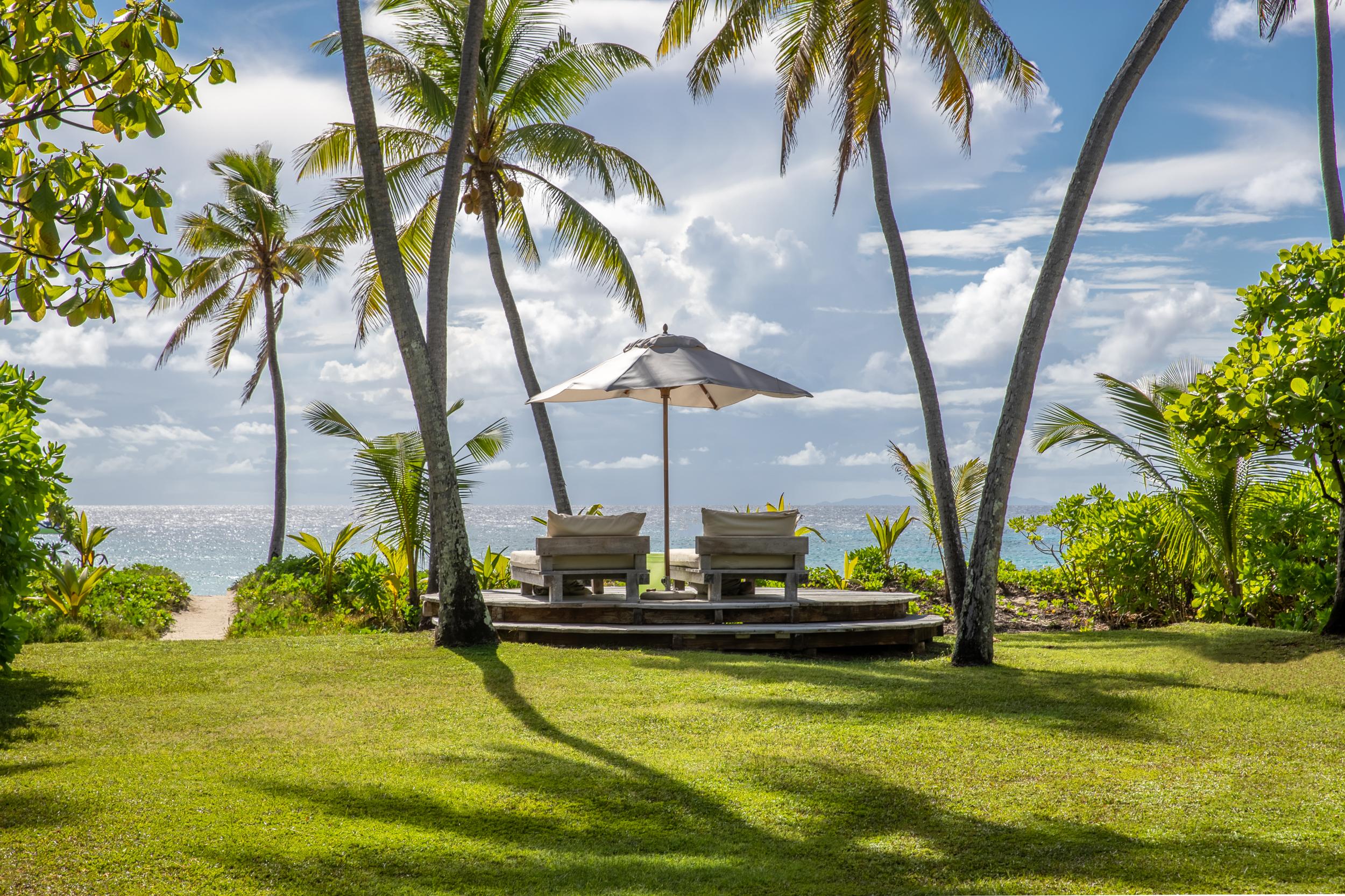 North Island - Presidential Villa - Garden - 2500px.jpg