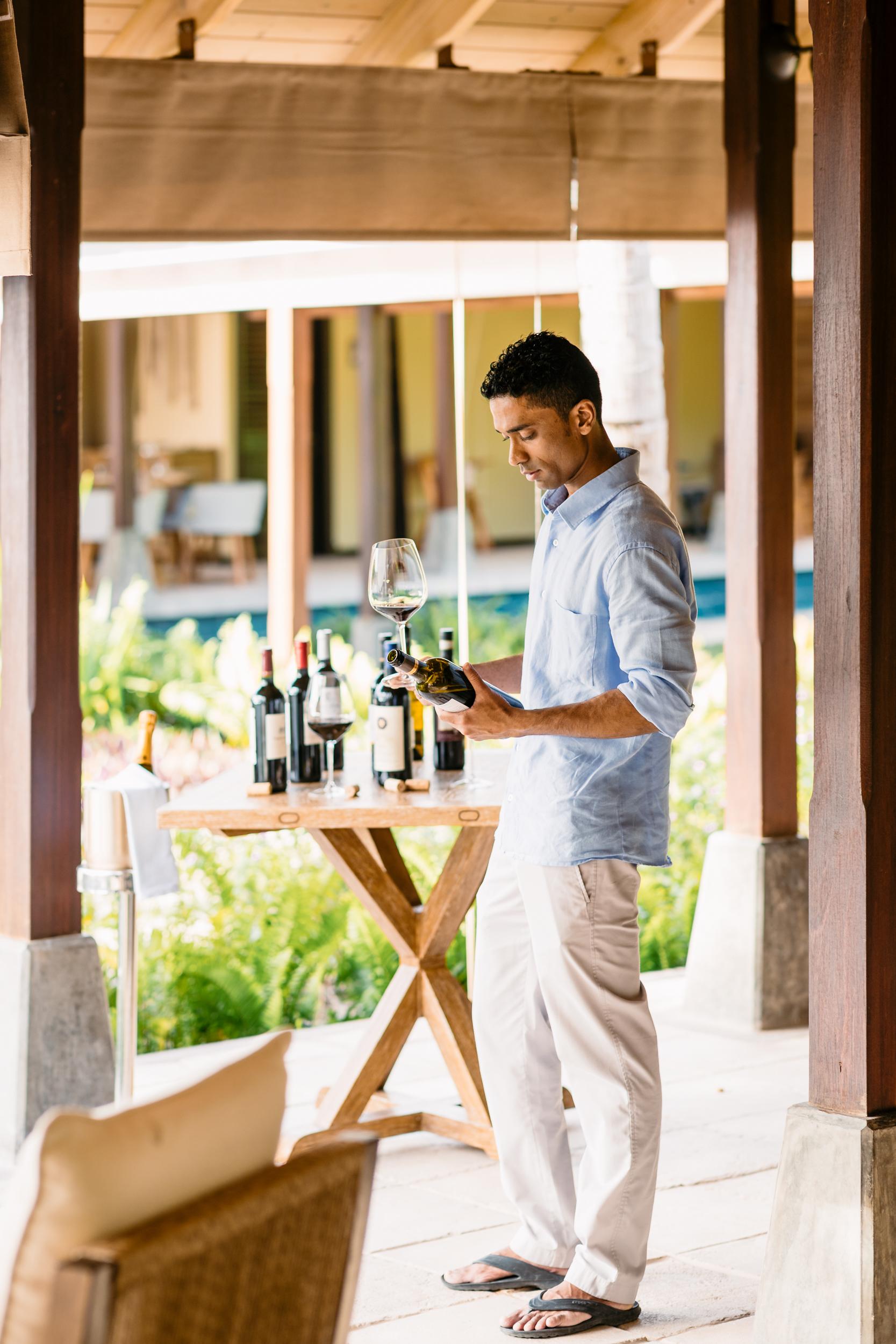 FS Desroches - Wine Tasting - 2500px-2.jpg