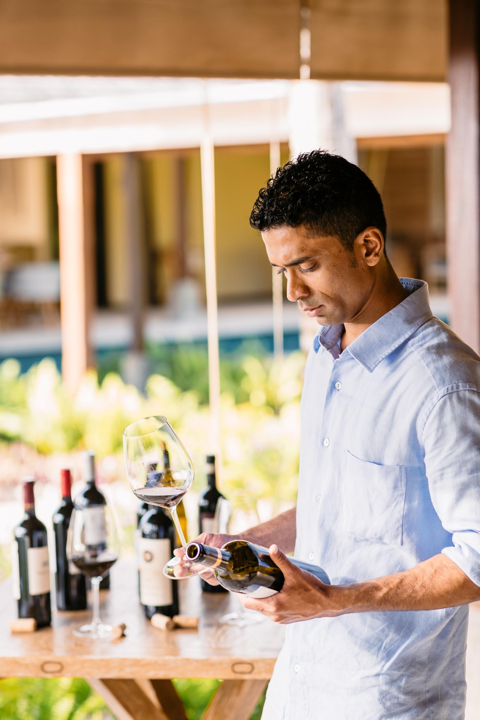 FS Desroches - Wine Tasting - 2500px.jpg