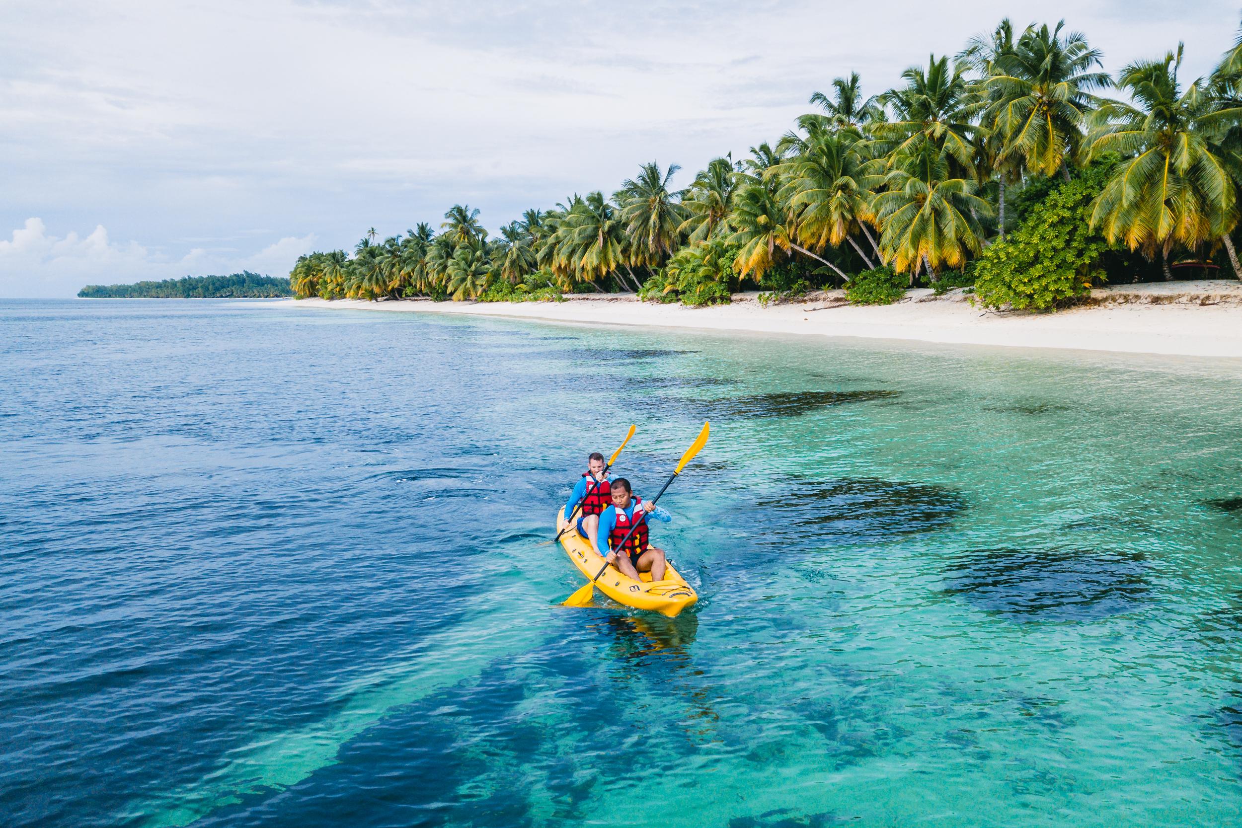 FS Desroches - Guided Kayak Island Tour - 2500px-3.jpg