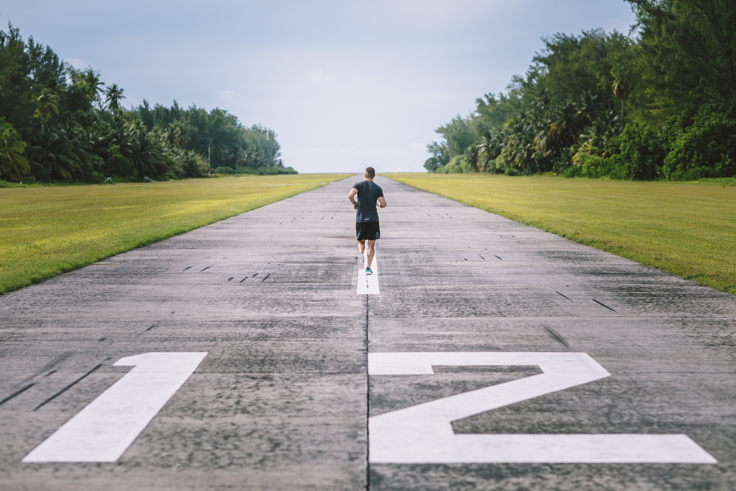 FS Desroches - Running on Runway - 2500px-11.jpg