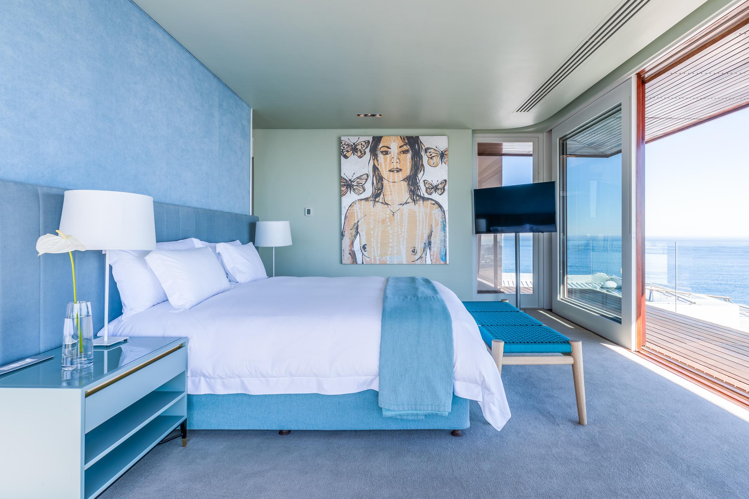 EH - Villa One - Bedrooms - Main Bedroom 004.jpg