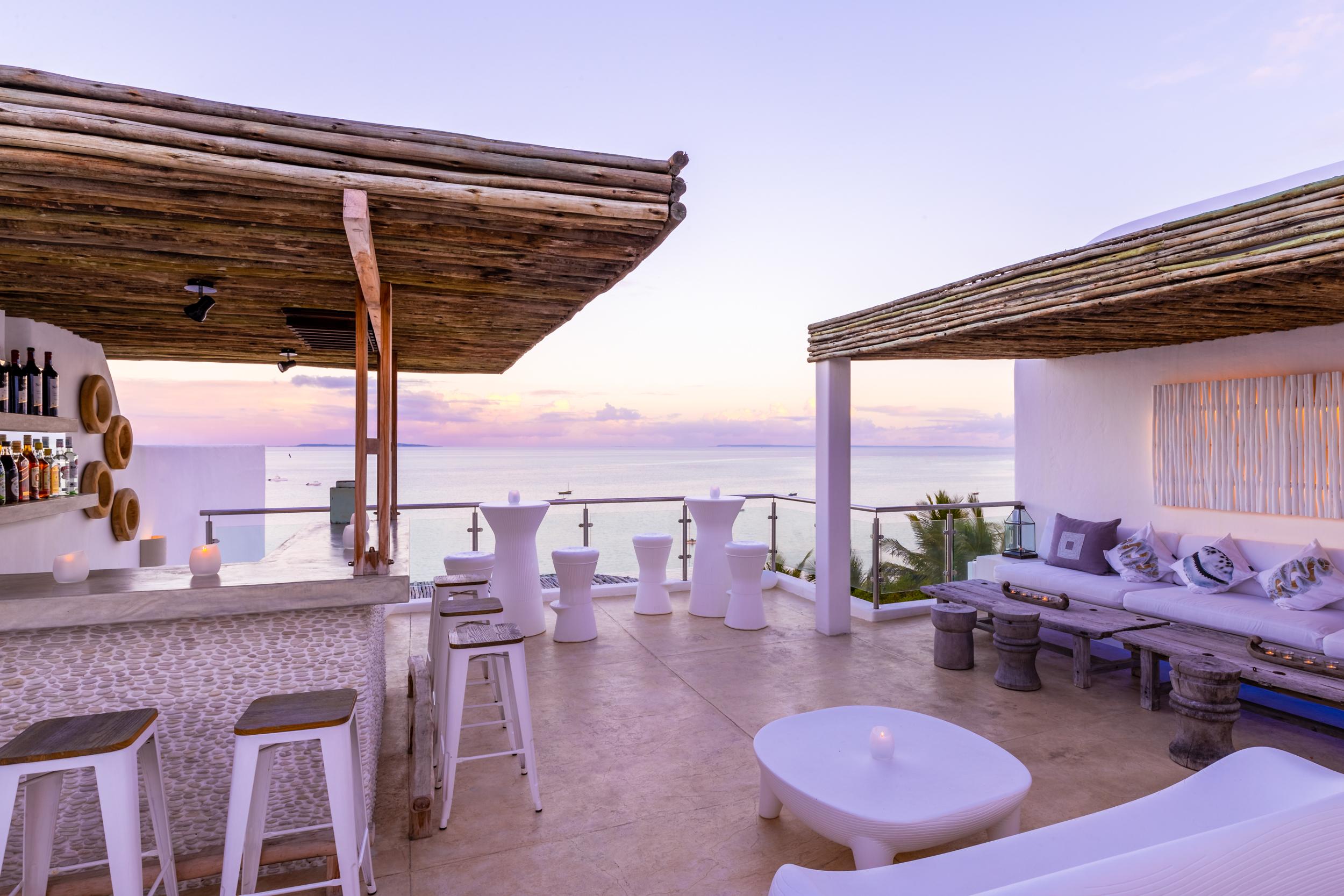 Santorini Mozambique - Sunset Bar - 2500px-7.jpg