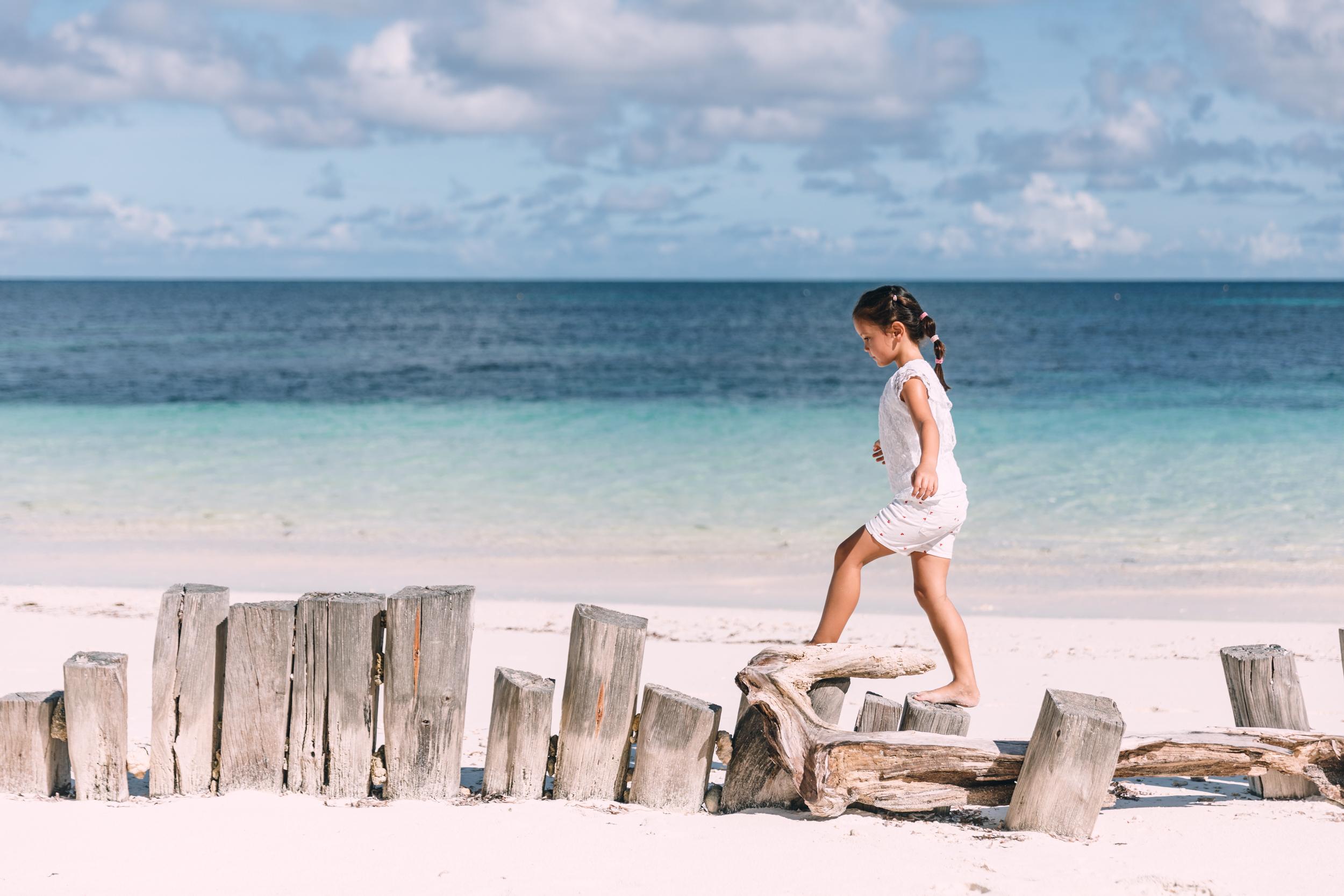 FS Desroches - Beach Walk - 2500px.jpg