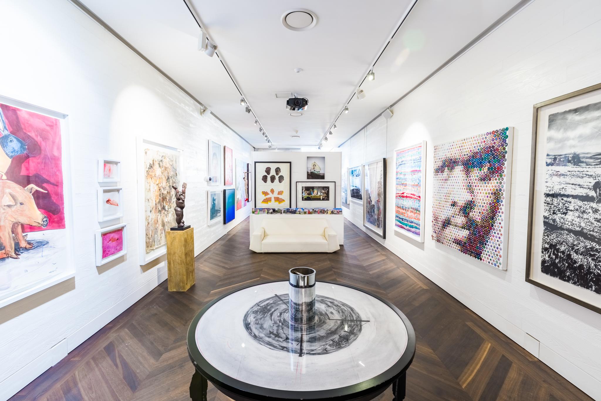 EH - Art - Art Gallery 002.jpg