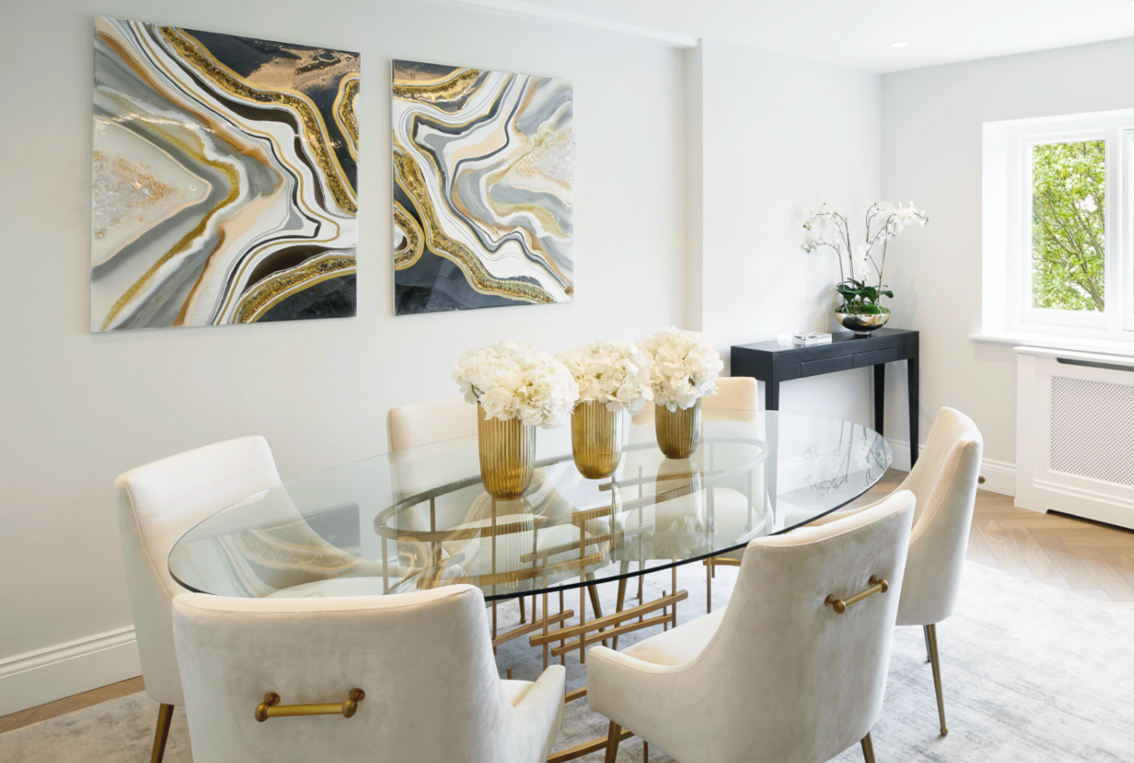 CUSTOMISED - A highly effective and personalised service that sets your property apart on the market. Our staging is entirely tailored to each property we dress using only on-trend high quality furnishings.