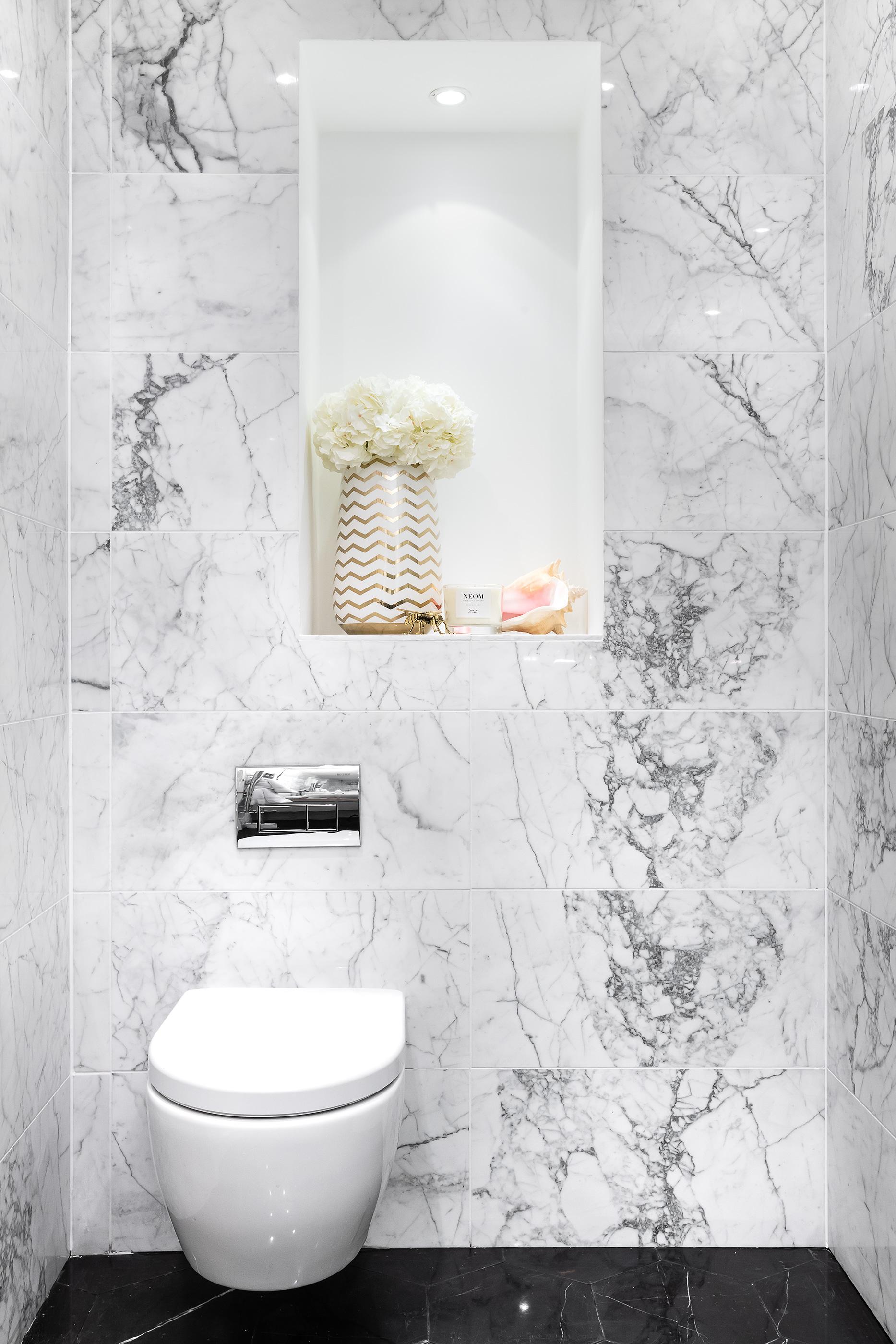 Bathroom_VR_02.jpg