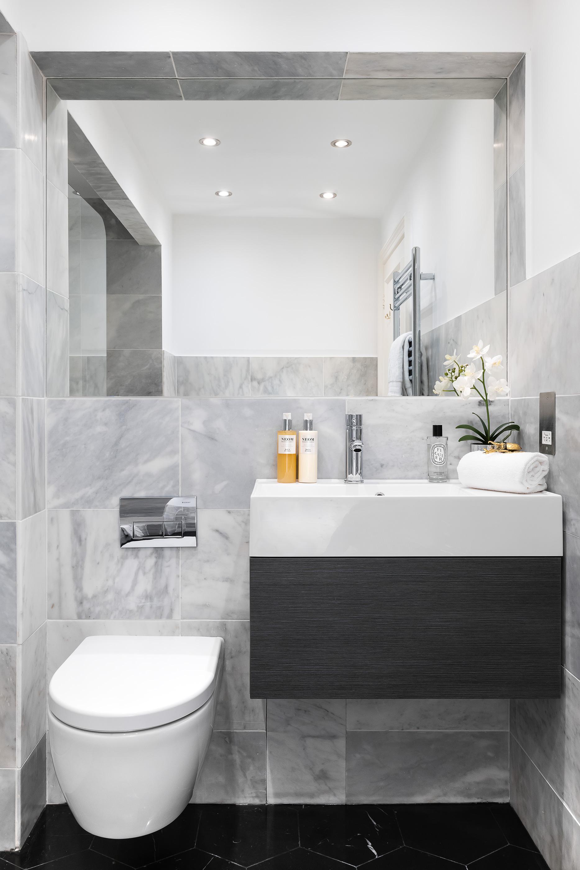 Bathroom_VR_12.jpg