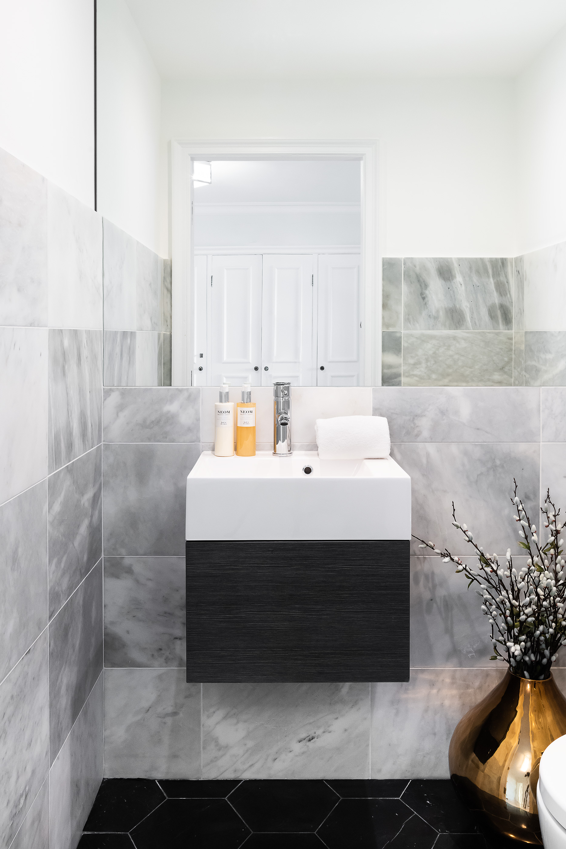 Bathroom_VR_13.jpg