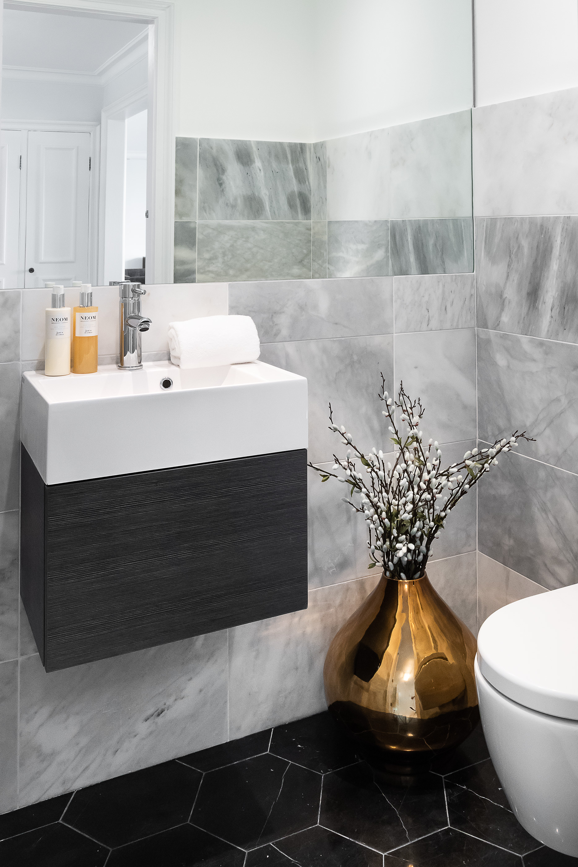 Bathroom_VR_14.jpg