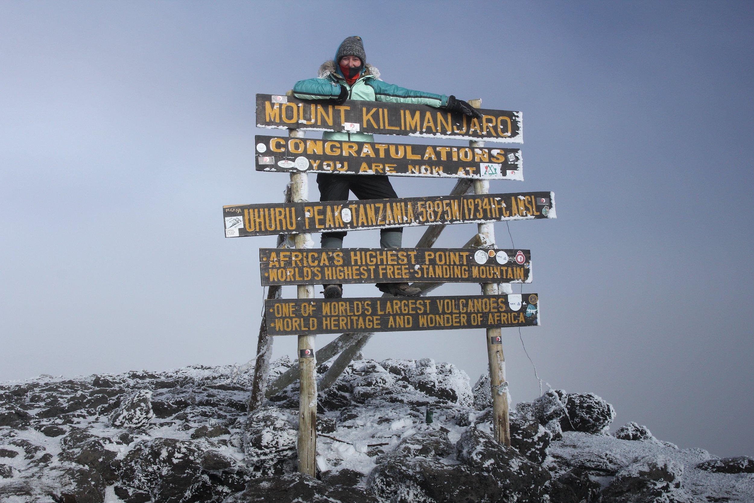 climbing_kilimanjaro_adventure_travelling