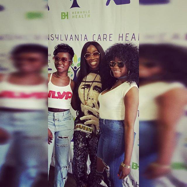 #TBT * * * We be around, S/O to our girl Estelle @estelledarlings.... * * * *  #TBT #AvianceMusiq #BadGirlsOfRnB #ItsAviance #PhillyDuo #RealSingers #RealTalent #Estelle #GoodVibes #BlackGirlsRock #BlackGirlMagic #BeyyondBeauttie #DominiqueNicole #ThisIsWhatWeDo  @estelledarlings  @estelledarlings