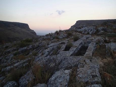 The cemetery below Arbel.