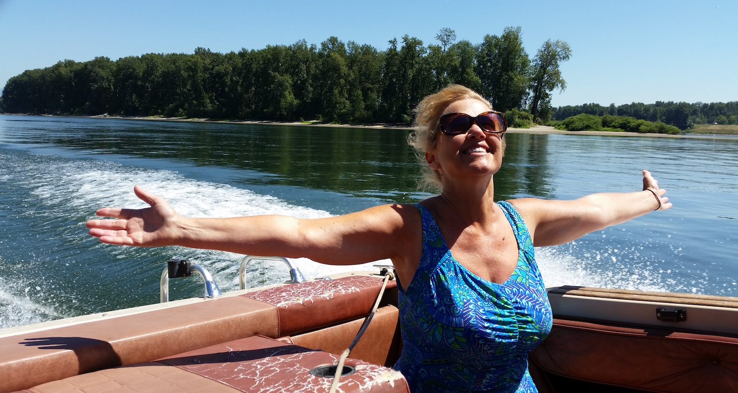 Vicki on the glorious Columbia, the mightiest Pacific-bound river in North America.