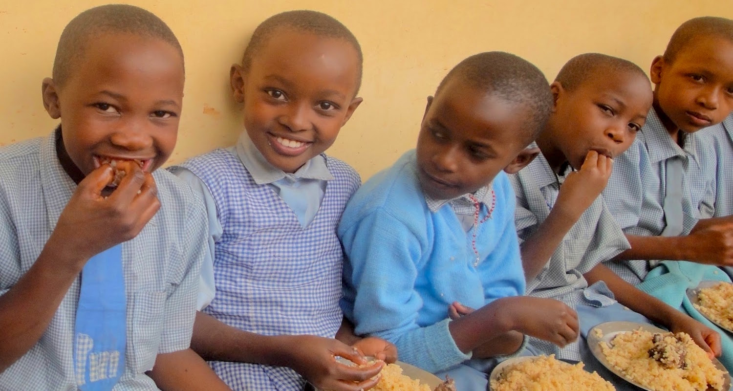 Pilau day for the children! This image and other personal insights into life at Stella Maris can be found on the blog of Mr Terry. See his site, Mt Terry and the Watoto,    here.