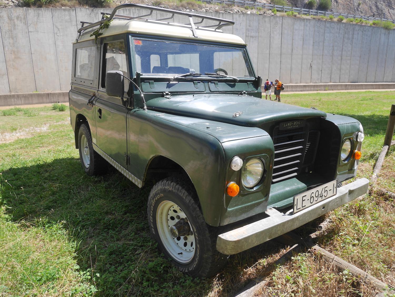 Land Rover Santana.JPG