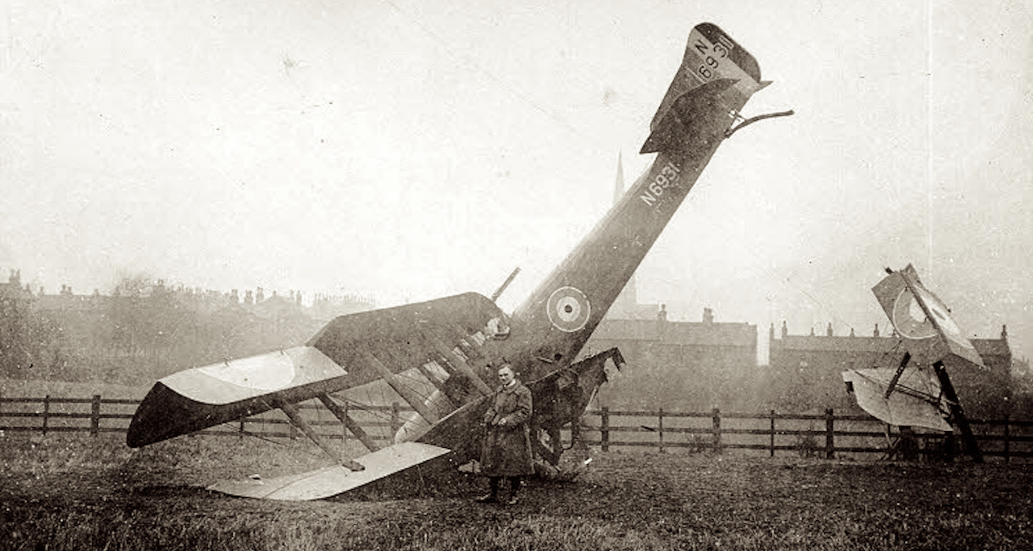 A good landing. Image from https://www.ossett.net/pages/WW1_Air_Crash_Gedham_jpg.htm, accessed 6/7/2019.