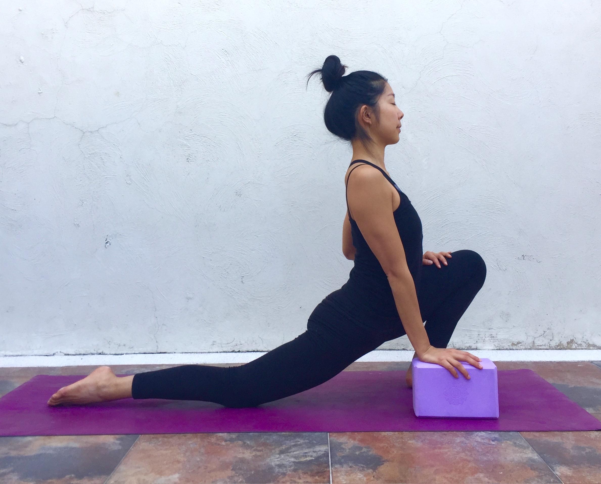 Dragon pose01-Annie Au Yoga