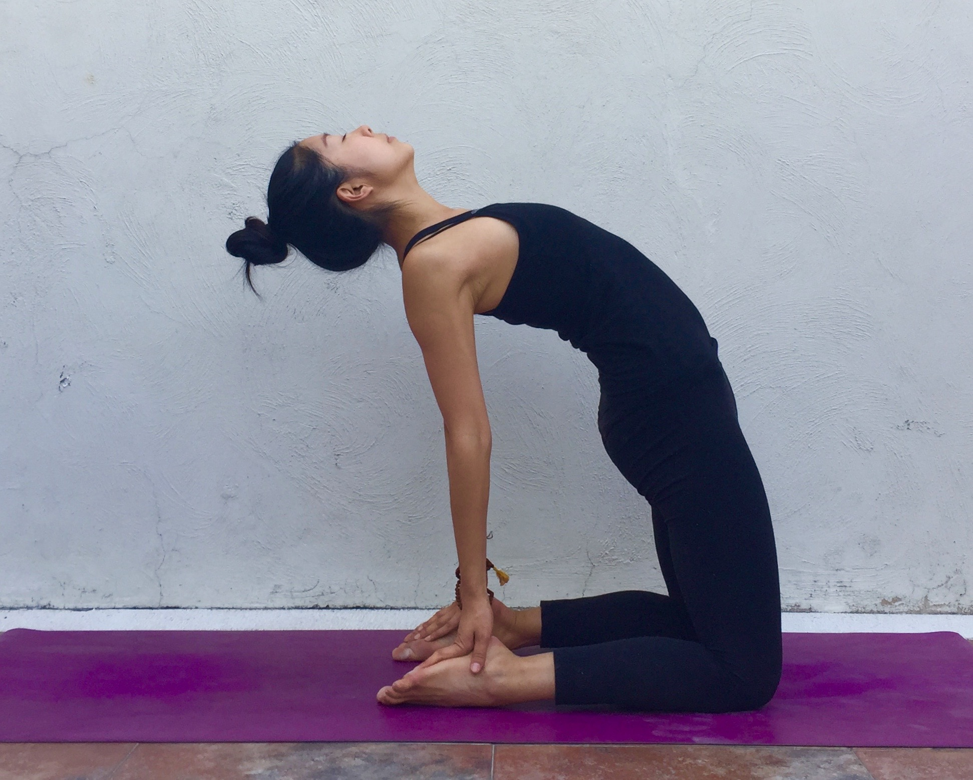 The Spleen Meridian: Don't Worry, Be Happy  — Annie Au Yoga