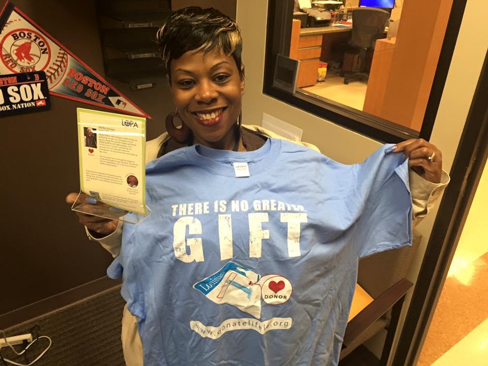 Spanishtown Mardi Gras Krewe donates money that honors Hero Shelby Holmes in LA OMVs