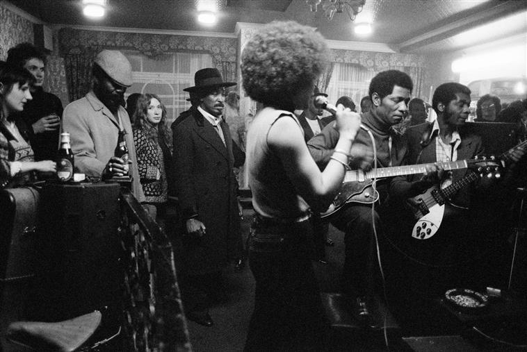 © Chris Steele-Perkins 'G.B. ENGLAND. London. The Coach and Horses pub in Brixton. 1978'